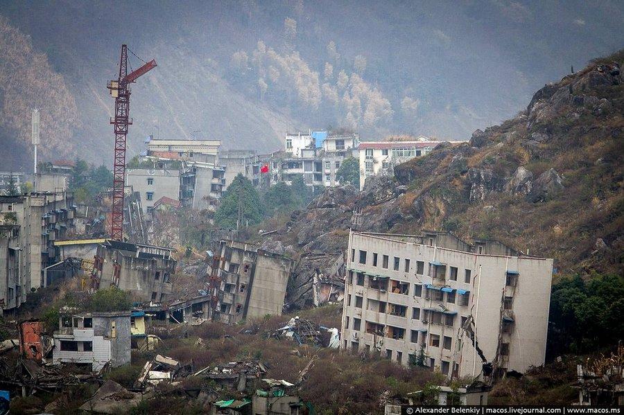 Жуткий заброшенный город после землетрясения