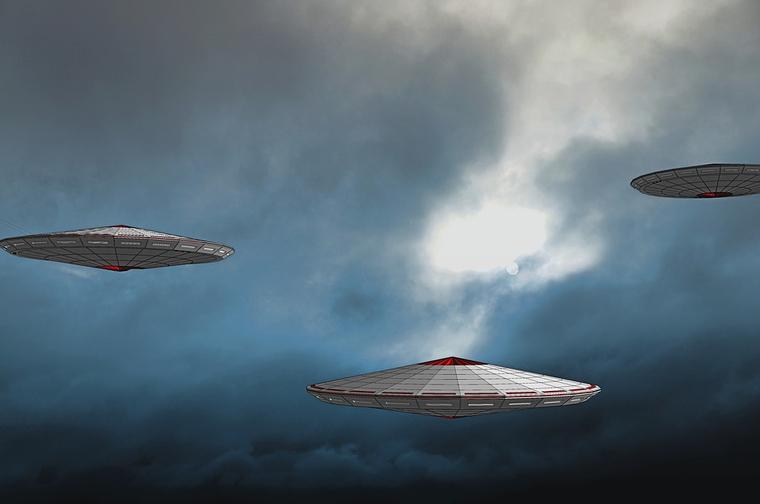 """""""Мы пришли с миром!"""": На МКС снова зафиксировано приближение НЛО"""