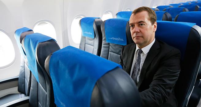 Дмитрий Медведев распорядился создать фонд для вывоза пассажиров проблемных авиакомпаний