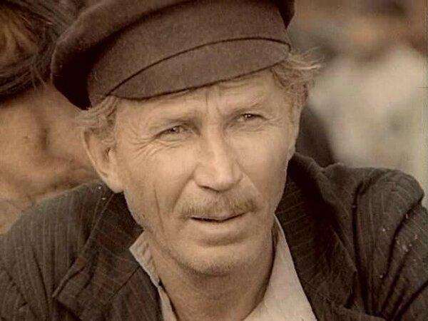 Иван Лапиков: жена бросила е…