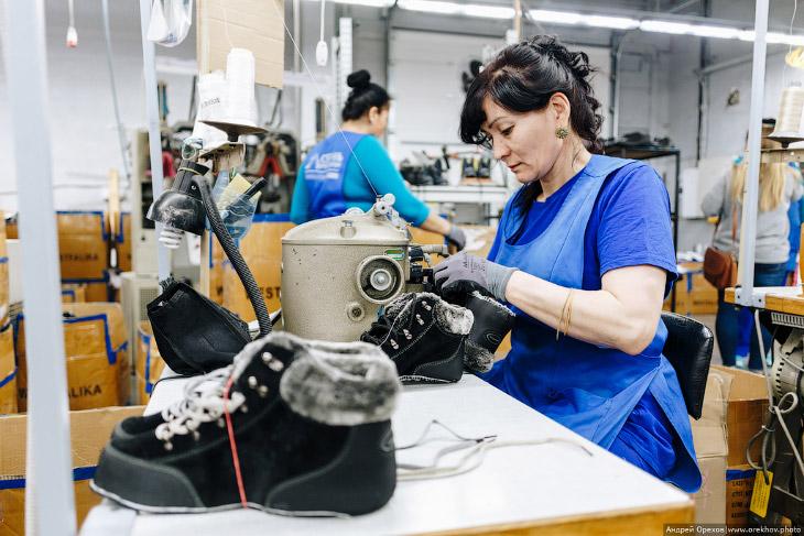 Как делают обувь в России
