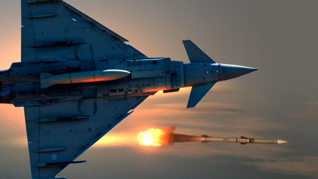 Самолет НАТО по ошибке запустил ракету в сторону России