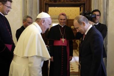Порошенко кусает локти и ждет медаль от Папы «как у Путина»