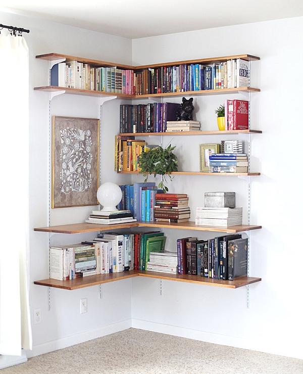 Угловые полки для книг и декора на стене