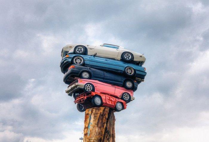 «Trans Am Totem» - искусство укладки автомобилей