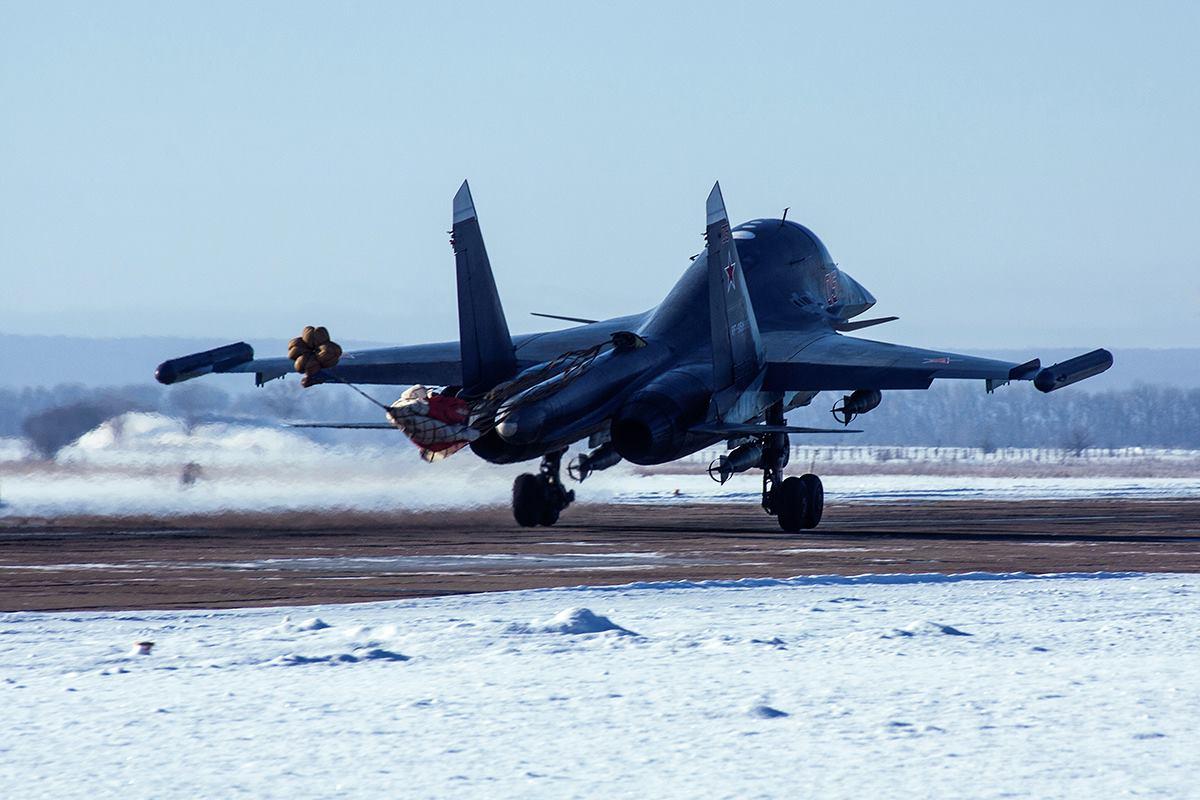ВКС России получили очередные два бомбардировщика Су-34