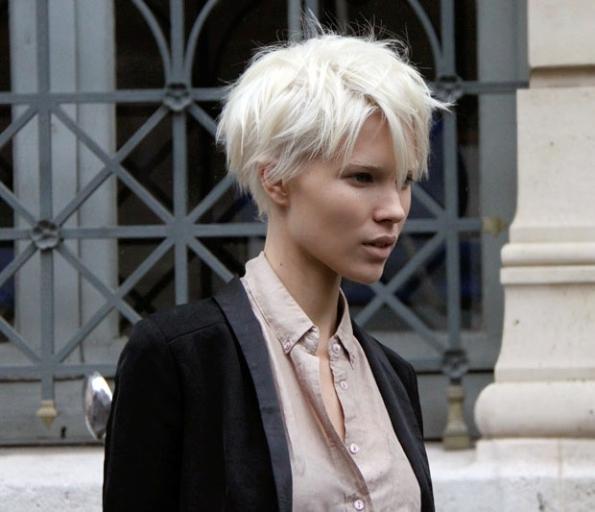 Короткие стрижки белые волосы