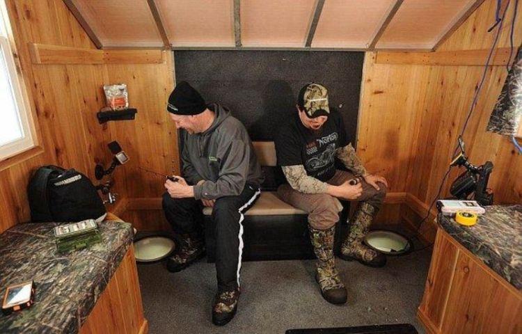 Мобильный дом для зимней рыбалки на льду