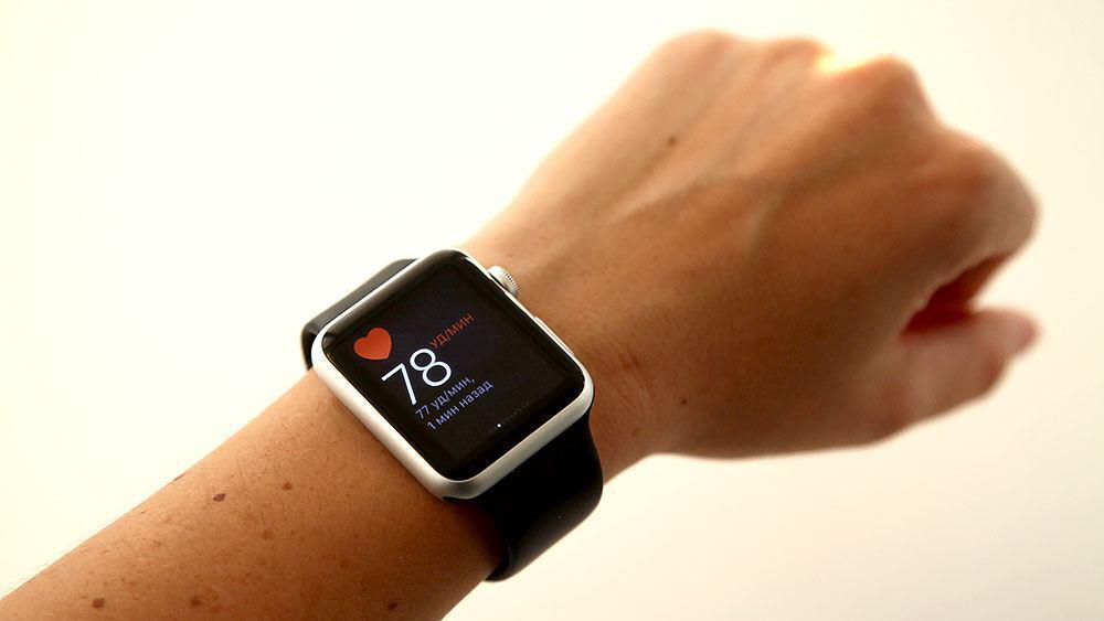 Эти умные часы с большим количеством полезных функций оснащены датчиками, позволяющими измерять не только пульс, но и давление.