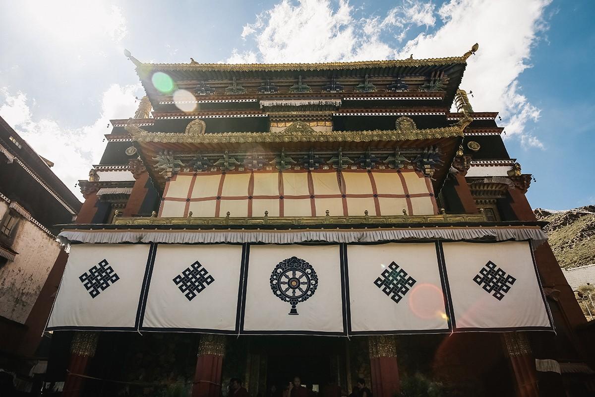 shigadze23 В поисках волшебства: Шигадзе, резиденция Панчен ламы и китайский рынок
