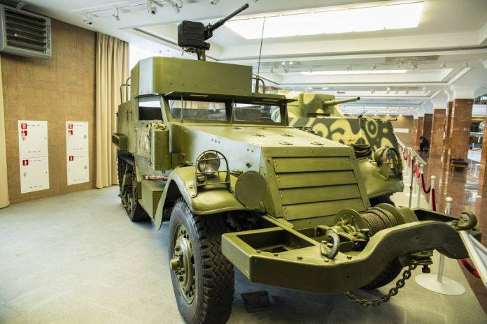 Другой ленд-лиз: тягач М2А1, ставший бронетранспортером