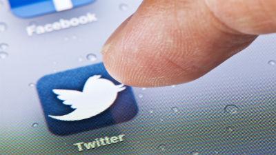 Стивен Фрай удалился из Twitter из-за критики пользователей