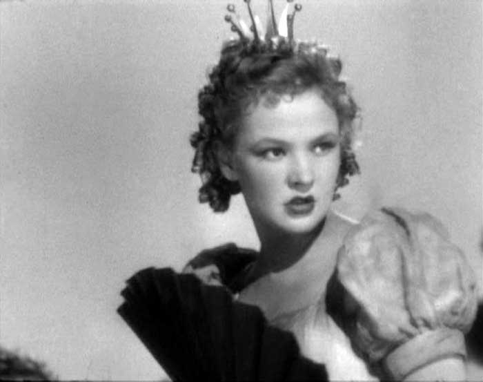 Вера Алтайская в роли Принцессы «Цветные киноновеллы (новелла «Свинопас»)», 1941 год