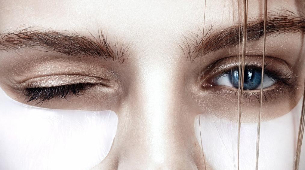 Как сделать патчи для омоложения кожи вокруг глаз: лучшие домашние рецепты