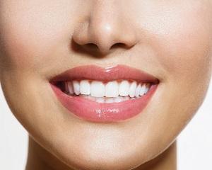 Домашние средства для отбеливания зубов
