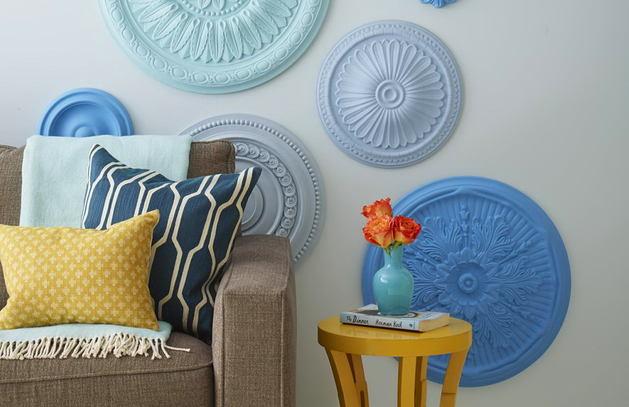 Гостиная, холл в цветах: голубой, бирюзовый, серый, светло-серый. Гостиная, холл в .