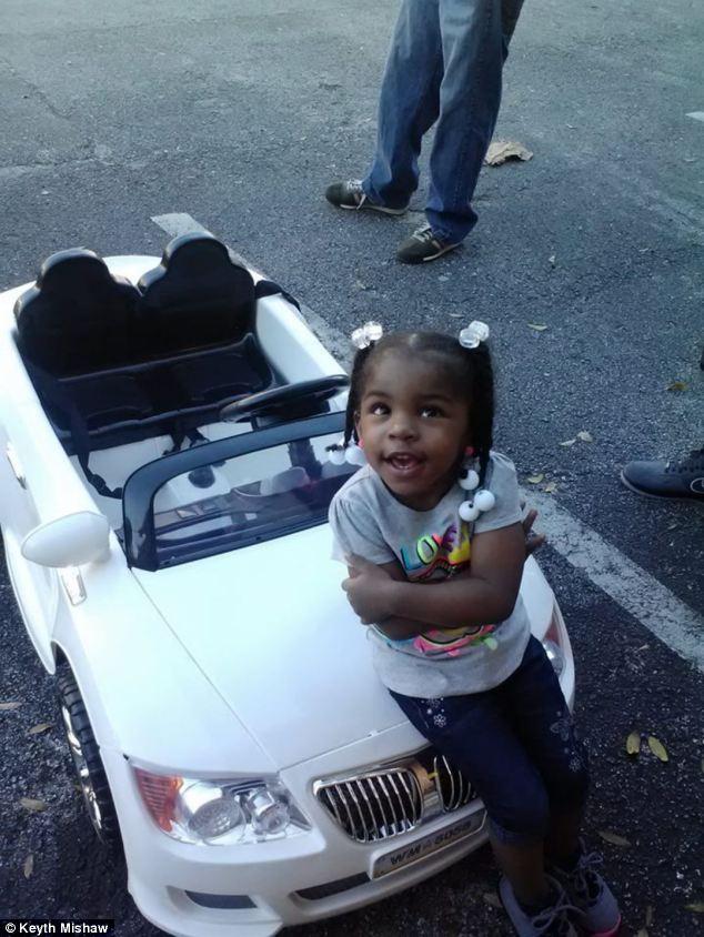 В США оштрафовали ребенка за вождение детского автомобиля…