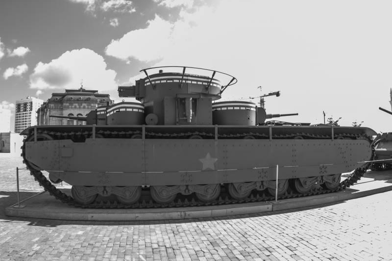 Рассказы об оружии. Танк Т-35. Самый бесполезный в мире?