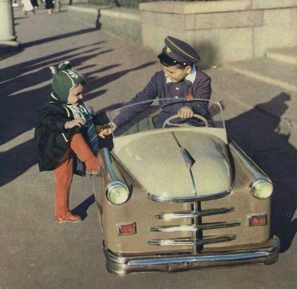 Мечта советского ребенка - педальные машинки!