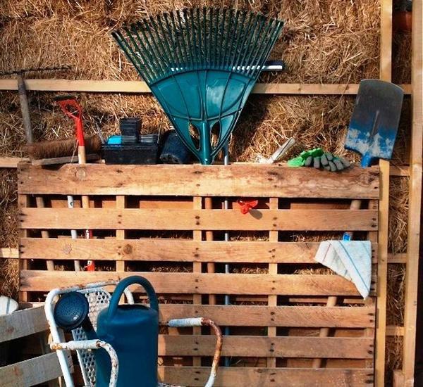 6. Держатель для садовых инструментов своими руками, сделай сам