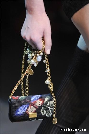 Cумки с вышивкой от Dolce & Gabbana