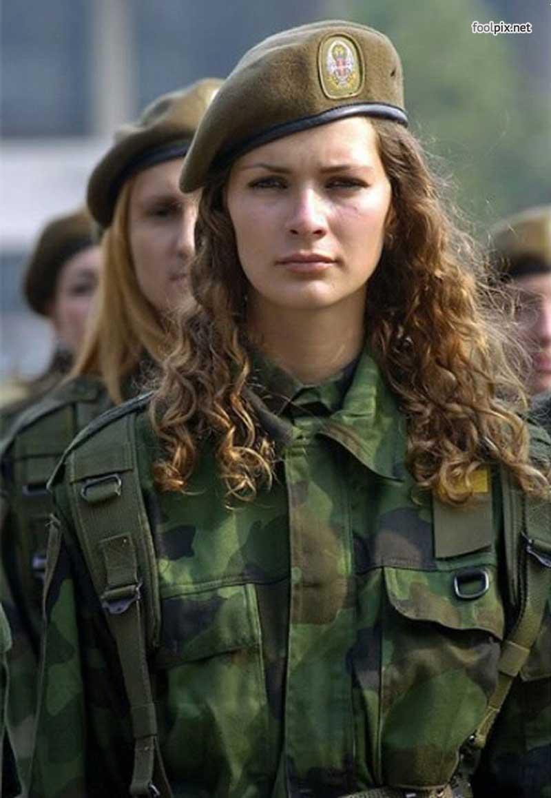 Девушки на службе в армии фото 33