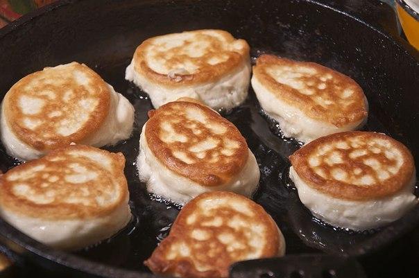 Приготовление оладьев на кефире пышные рецепт с фото пошагово