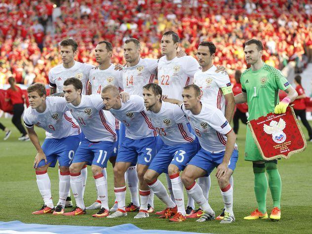 Российскую футбольную сборную предложили распустить, а Кокорина и Мамаева уволить