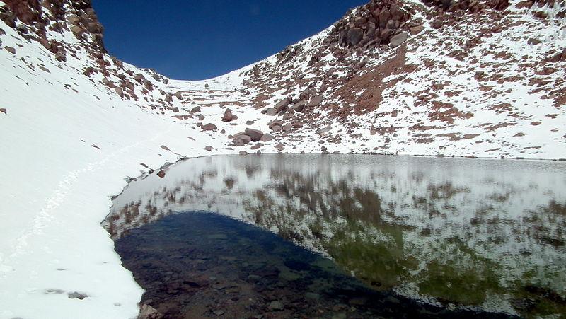 Кратерное озеро Ликанкабур, Чили.