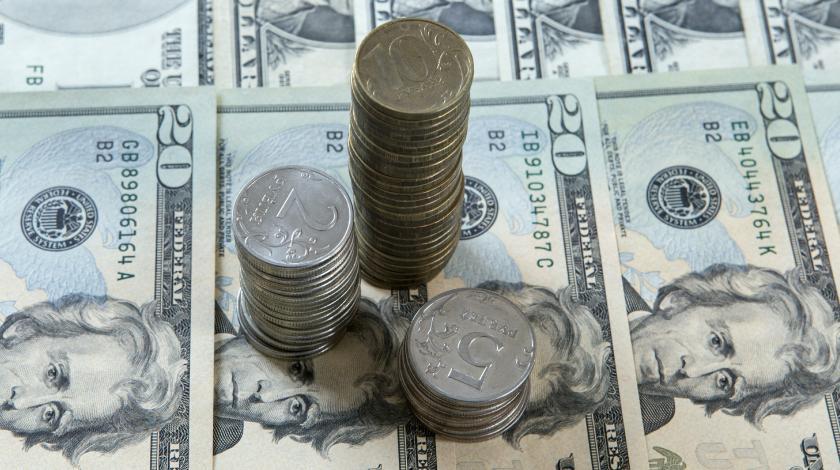 Рубль обвалится через две недели