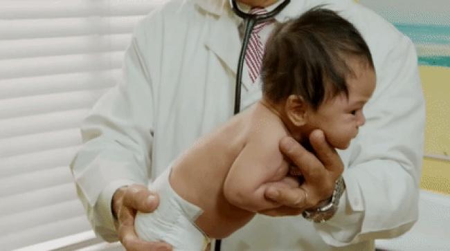 Педиатр раскрывает секрет, как моментально успокоить плачущего ребенка