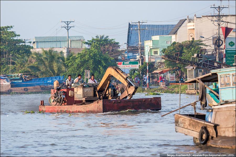 Где-то не тонет овно, а во Вьетнаме - экскаваторы
