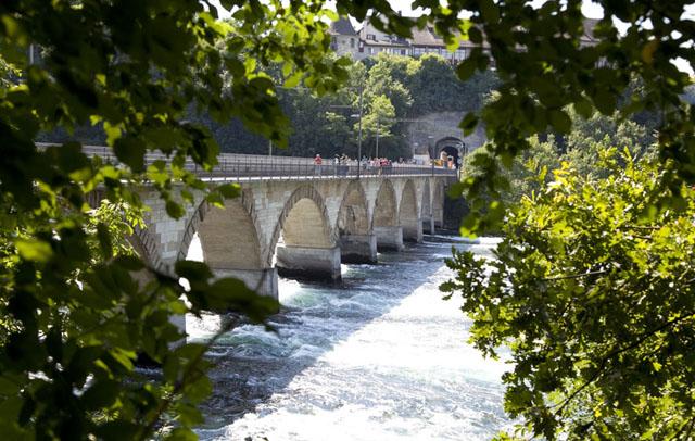 Железнодорожный мост у Рейнского Водопада