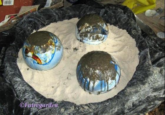 Декоративные шары из цемента для сада. Идеи и мастер-класс (3) (560x392, 100Kb)