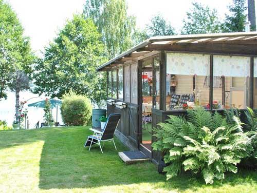 Необычный дачный дом: от строительного вагончика к семейному дому