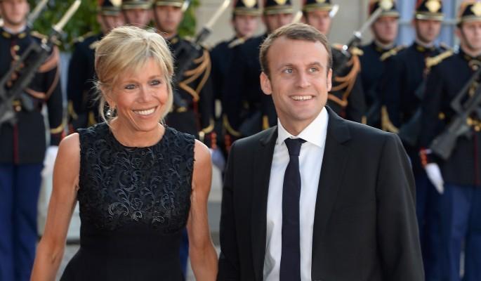 Charlie Hebdo поднял на смех Макрона с женой