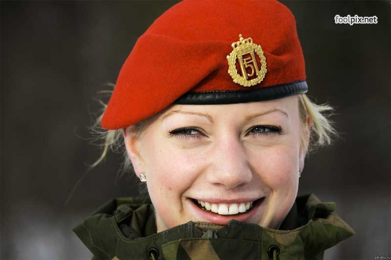 Девушки на службе в армии фото 27