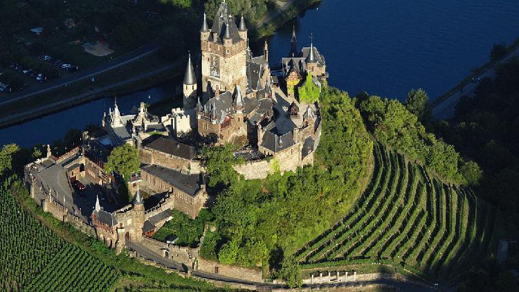 10 самых красивых замков Германии