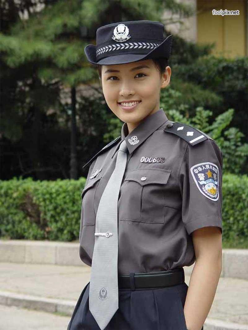 Девушки на службе в армии фото 10