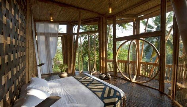 Балкон, веранда, патио в цветах: серый, темно-зеленый, темно-коричневый, коричневый. Балкон, веранда, патио в стиле экологический стиль.