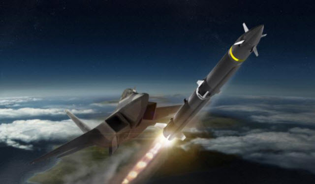 """В США разрабатывается новая ракета класса """"воздух - воздух"""" большой дальности"""