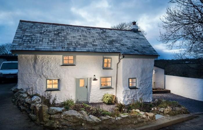 Этому дому 300 лет. Не смотри, что он невзрачен снаружи, лучше глянь, насколько он крутой внутри!