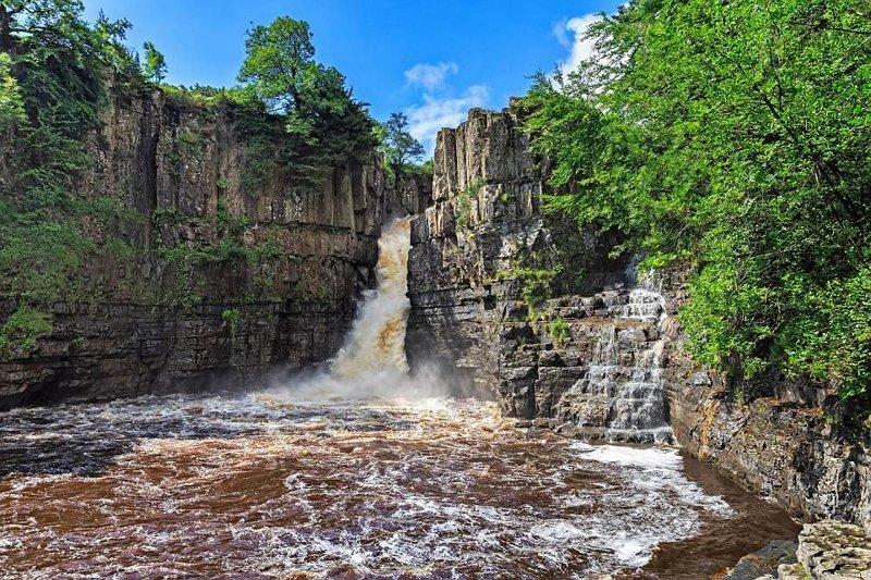 3. Как в джунглях - 21-метровый водопад дополняет всю красоту. в мире, красивые места, мир, неожиданно, пляж, путешествия, туризм, фото