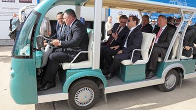 Медведев выделил автопрому е…