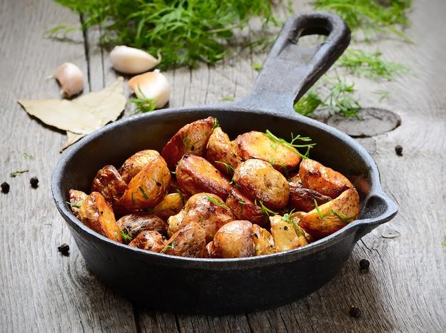 Как пожарить картошку с мясом на сковороде пошаговый рецепт с