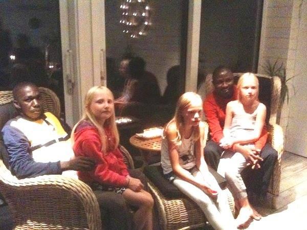 ШОК: прогрессивная шведская приемная семья