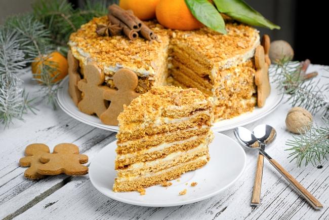 Легендарный советский торт «Медовик». Фото: Domashniy.ru - Портал Домашний