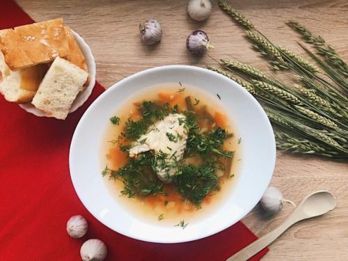 Мы продолжаем неделю супов простым рецептом вкусного и полезного первого блюда.