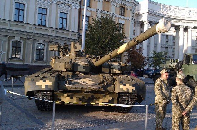 Украинский «Оплот» оказался бессилен перед китайским танком «для бедных»