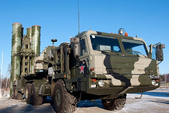 """В Минобороны России заявили об успешном испытании новой ракеты для зенитно ракетного комплекса С-400 """"Триумф"""""""